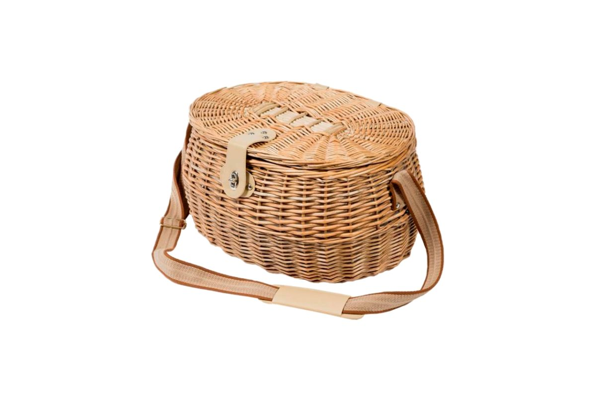 Four Person Country Picnic Basket Set